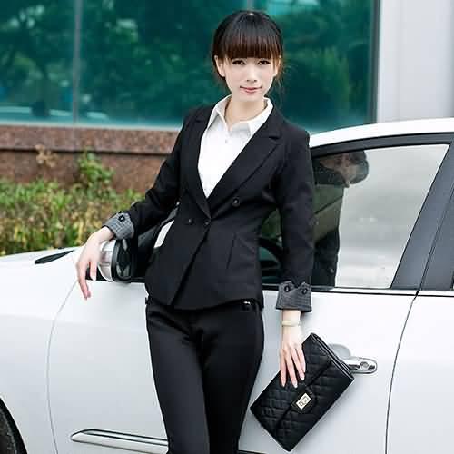 黑色修身女士职业装小西服