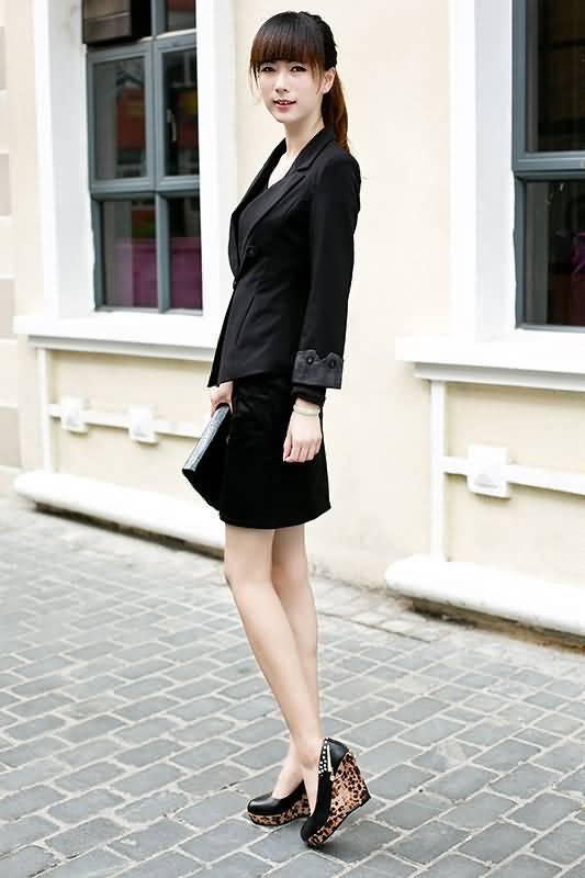 黑色女士职业装小西服配一步裙