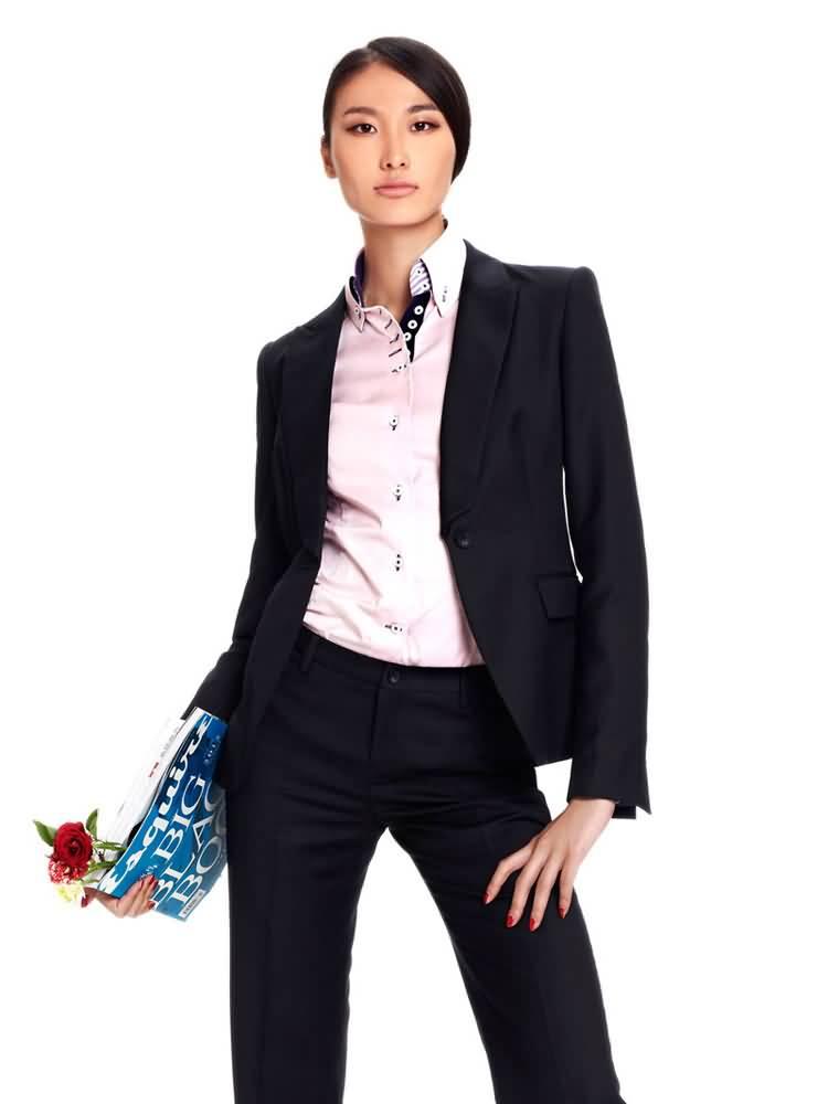 黑色简洁修身女性职业装