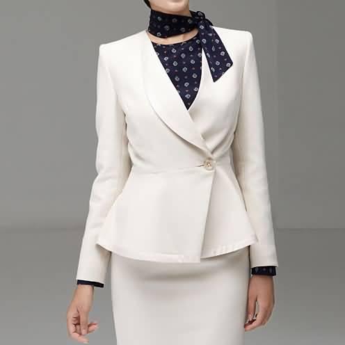米白色女职业装套裙