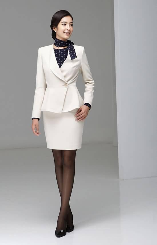 白色职业装套裙