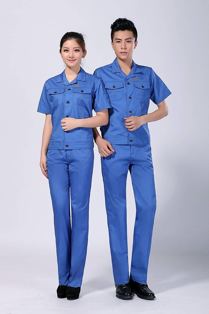 蓝色夏季工服