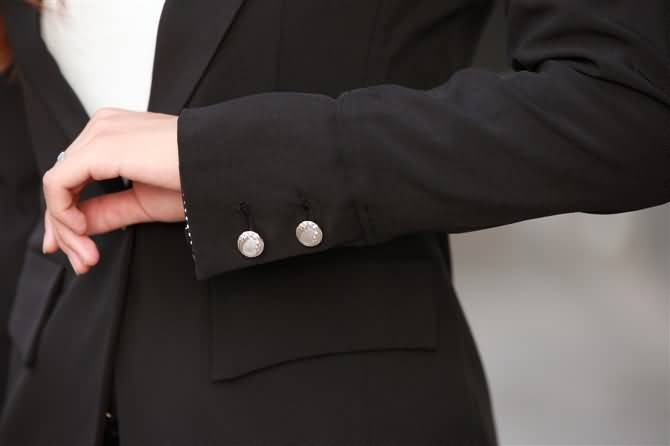黑色办公室职业装