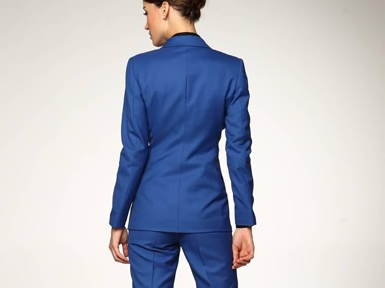 蓝色女西服套装