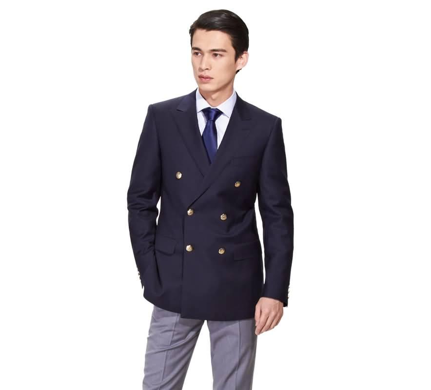 深蓝色西服上衣双排扣