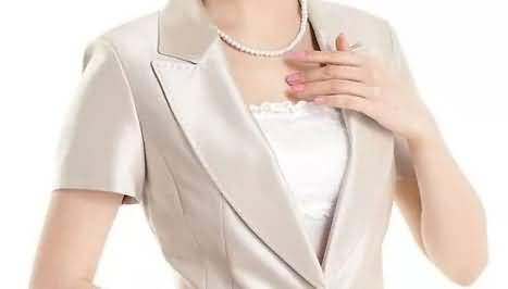 香槟色套裙女装领部细节图片