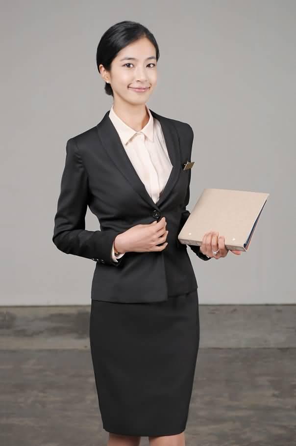 济宁秋季女性职业装修身OL西装套裙