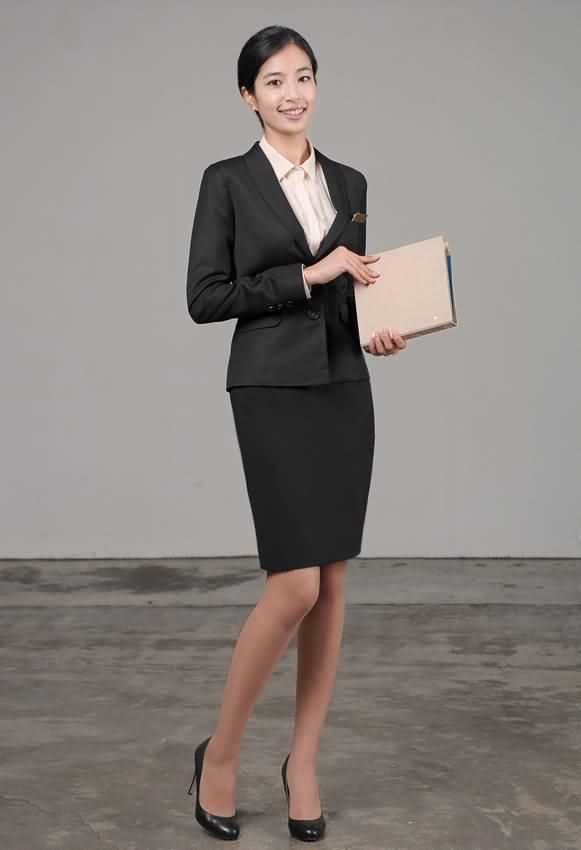 济宁秋季女性职业装修身西装套裙
