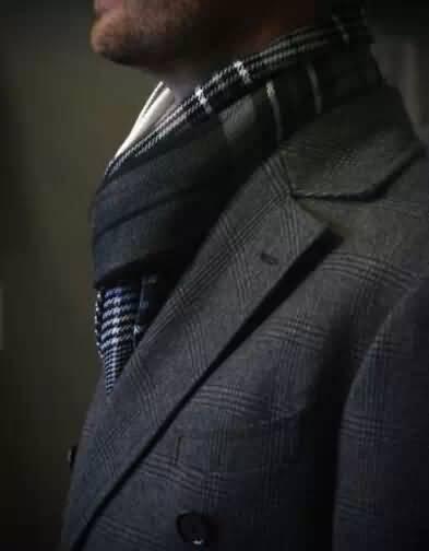 西装配围巾