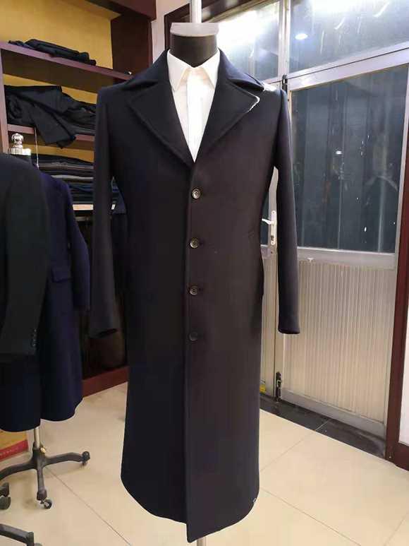 男性冬季职业装大衣