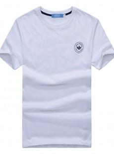 白色短袖t恤衫